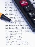 Calculadora y pluma de la matemáticas Imagen de archivo libre de regalías