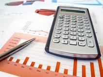 Calculator en pen. Stock Foto's
