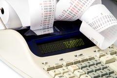 Calculator met zeer lang ontvangstbewijs Royalty-vrije Stock Afbeeldingen