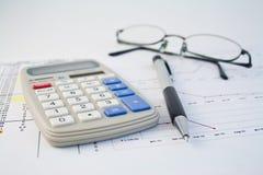 Calculator, pen en grafiek 2 Royalty-vrije Stock Fotografie