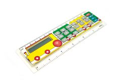Calculator voor schoolkinderen In de vorm van een lijn met het beeld van een paravoz Stock Fotografie