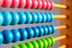 Calculatrice chinoise avec les perles colorées Images stock