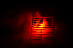 Calculatrice chinoise avec les perles colorées sur le fond orange d'obscurité de fumée du feu Photo de concept des affaires, enfa Photo libre de droits