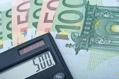 Calculatrice et euro billets de banque Image stock