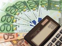 Calculatrice et euro billets de banque Images stock