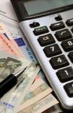 Calculatrice et euro notes Photos libres de droits