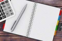 Calculatrice, stylo et organisateur personnel Book rendu 3d Images stock