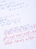 Calculs de maths écrits par main Photographie stock