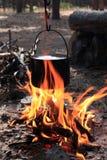 Caldaia su fuoco fotografia stock