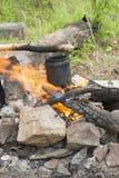 Caldaia su un fuoco Immagine Stock Libera da Diritti