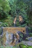 热量水池Caldeira Velha,圣地亚速尔群岛的米格尔海岛 免版税库存图片