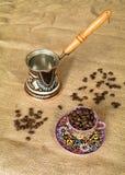 Caldera, cofee y taza coloreada Imagen de archivo