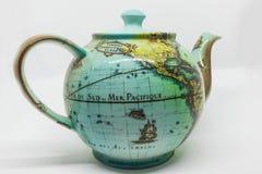 Caldera con el mapa del mundo Fotografía de archivo