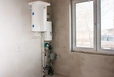 Caldera con el sistema de tubos de la calefacción Fotografía de archivo libre de regalías