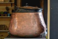 Caldera de cobre Fotos de archivo