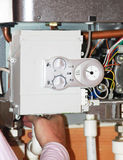 Caldera de gas bajo reparación Imágenes de archivo libres de regalías