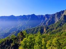 Caldera de Taburiente nationalpark på La Palma royaltyfri foto