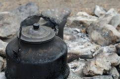 Caldera en el fuego Imagen de archivo