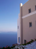 caldera house looking oia over 库存照片