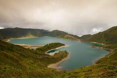 Caldera Lago di Fogo - sjö på Azores öar royaltyfri foto