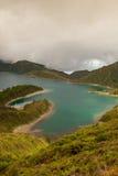 Caldera Lago di Fogo - sjö på Azores öar royaltyfri bild