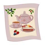 Caldera, taza con té, torta y bayas Foto de archivo