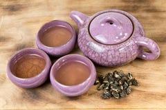 Caldera y tazas de té Imágenes de archivo libres de regalías