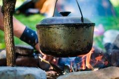 Calderone sul fuoco Fotografie Stock Libere da Diritti
