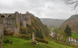 Caldo Bélgica outubro, vista 29 2017 do castelo do caldo e fotos de stock