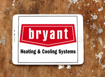 Calefacción de Bryant y logotipo de la compañía de los sistemas de enfriamiento Foto de archivo