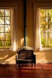 Calefator e Windows de gás do vintage fotos de stock royalty free