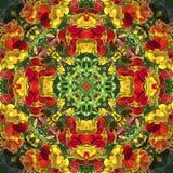 Caleidoscopio con motivos naturales de flores amarillas y anaranjadas Fotografía de archivo libre de regalías