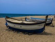 Calella is een toevluchtstad op de Spaanse kust een uur weg door trein van Barcelona Schone overzees, schone stranden en comforta royalty-vrije stock foto