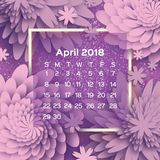 Calendário 2018 anos abril roxo Flor de Origami estilo do corte do papel A semana parte de domingo Fundo floral da mola Fotografia de Stock Royalty Free
