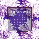 Calendário 2018 anos fevereiro roxo Flor de Origami estilo do corte do papel A semana parte de domingo Fundo floral do inverno Fotos de Stock Royalty Free