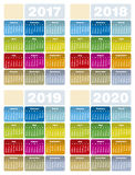 Calendário colorido por anos 2017, 2018, 2019 e 2020 Ilustração Stock