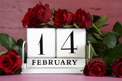 Calendário da madeira do vintage de Valentine Day Fotografia de Stock Royalty Free