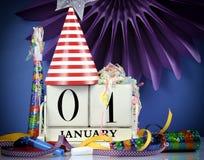 Calendário de madeira branco do vintage do ano novo feliz Foto de Stock Royalty Free