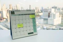 Calendário de novembro com economias a data para a compra e aptidão como o lembrete imagem de stock