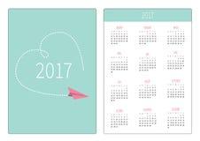Calendário do bolso 2017 anos A semana começa domingo Molde vertical da orientação do projeto liso Plano de papel do voo Coração  ilustração royalty free
