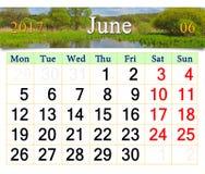 Calendário para junho de 2017 no fundo do verão Fotografia de Stock Royalty Free