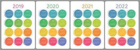 Calendar 2019, 2020, 2021, 2022 år Färgrik vektoruppsättning vecka vektor illustrationer