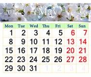 Calendar för Maj 2017 med det blommande körsbärsröda trädet Royaltyfri Fotografi