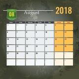 Calendar mallen för 2018 den Augusti månaden med abstrakt grungebakgrund Arkivfoto