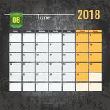 Calendar mallen för 2018 den Juni månaden med abstrakt grungebakgrund Royaltyfri Fotografi