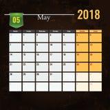 Calendar mallen för 2018 den Maj månaden med abstrakt grungebakgrund Royaltyfri Foto