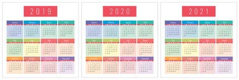 Calendar uppsättningen 2019, 2020, 2021 år Färg fack Veckastarter på söndag Royaltyfri Bild