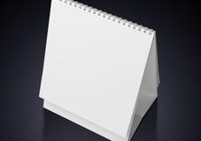 Calendario in bianco dello scrittorio Immagini Stock Libere da Diritti