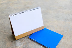 Calendario blanco en blanco Imágenes de archivo libres de regalías