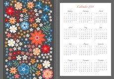 Calendario brillante por 2019 años Comienzo de la semana el domingo Plantilla del vector con el modelo del bordado de las flores  ilustración del vector